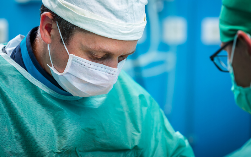 Covid-19: spine surgeons exhibiting elevated anxiety and uncertainty for the future