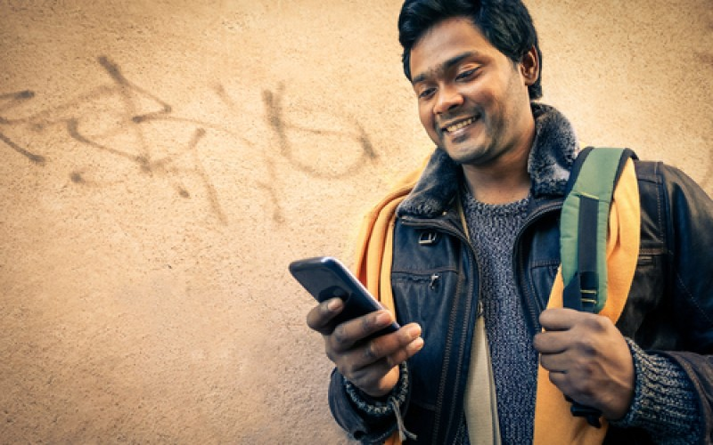 Indian teens prone to spinal injuries due to overuse of mobile phones