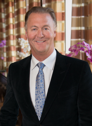 US spine surgeon launches advanced disc replacement spinal restoration centre